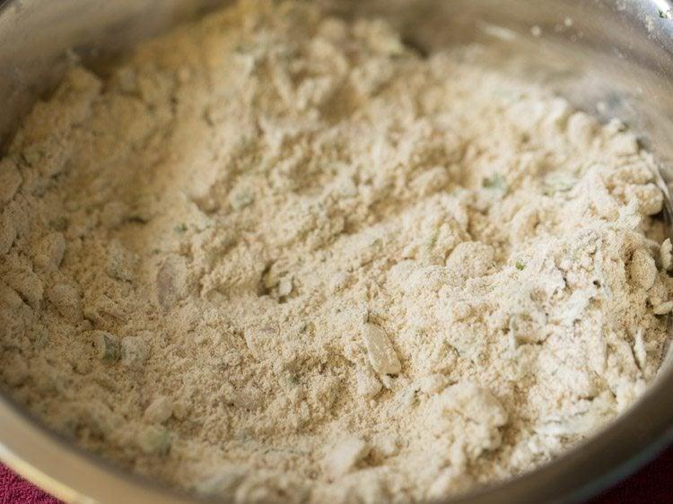 making thalipeeth recipe