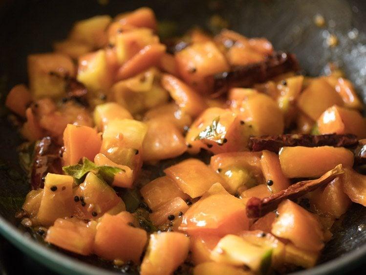 making andhra tomato pachadi recipe