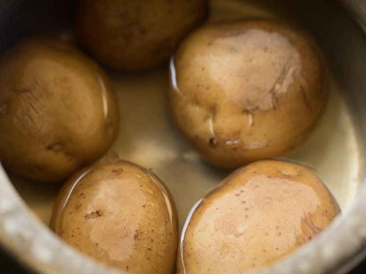 potatoes to make aloo tikki chaat recipe