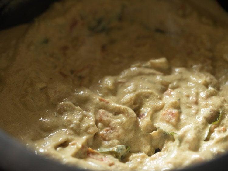 making cauliflower korma recipe