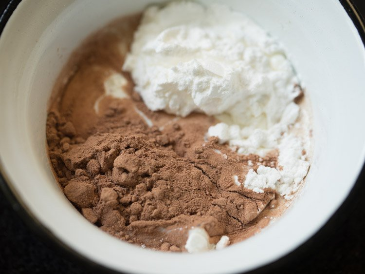 making eggless chocolate pudding recipe