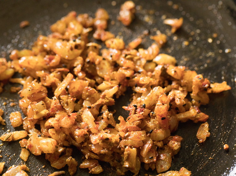 making aloo phulkopir singara recipe