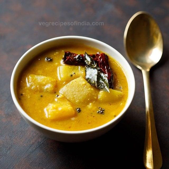 pumpkin sambar recipe, poosanikai sambar recipe, yellow pumpkin sambar recipe