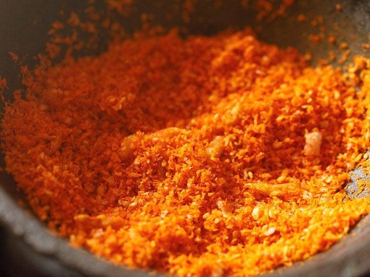 making dry garlic chutney recipe