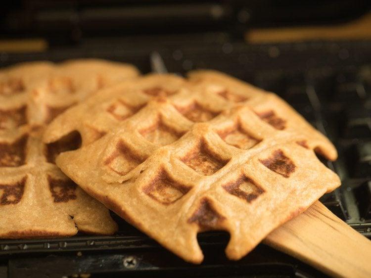 eggless waffle recipe, whole wheat waffle recipe, egg free whole wheat waffle recipe