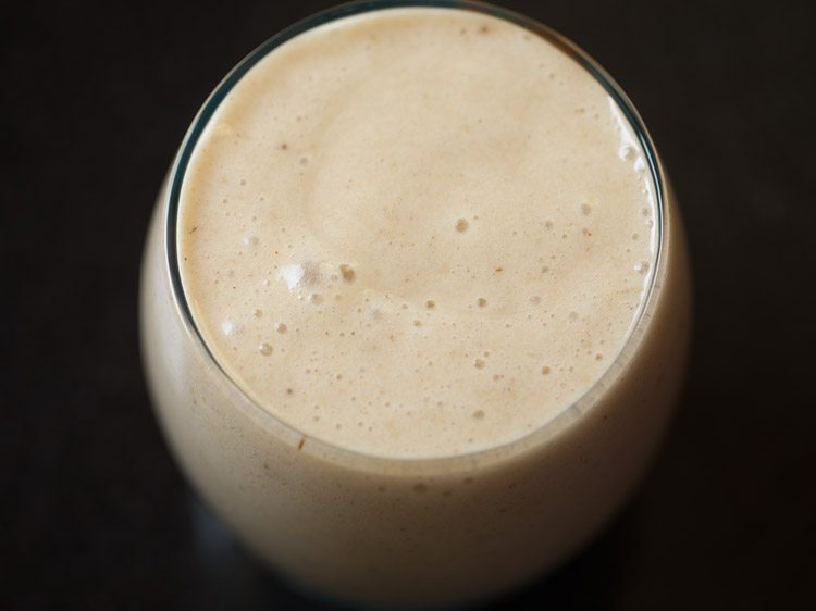 making vegan banana smoothie recipe