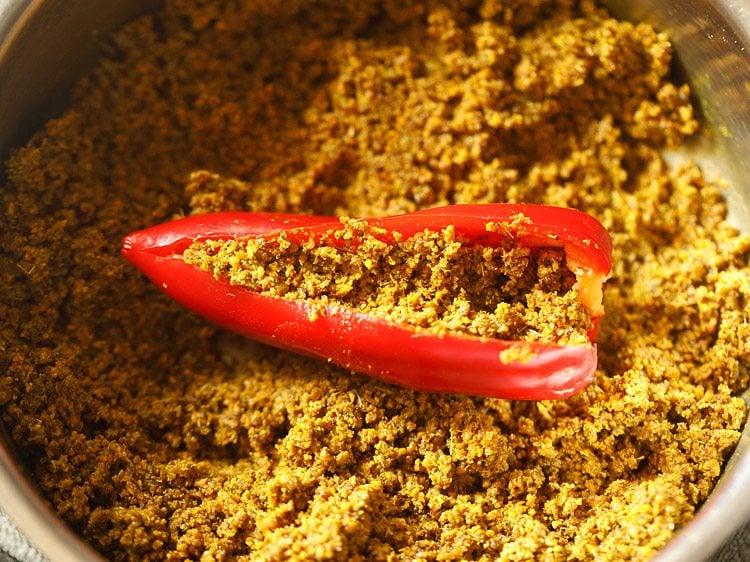 making red chilli pickle recipe