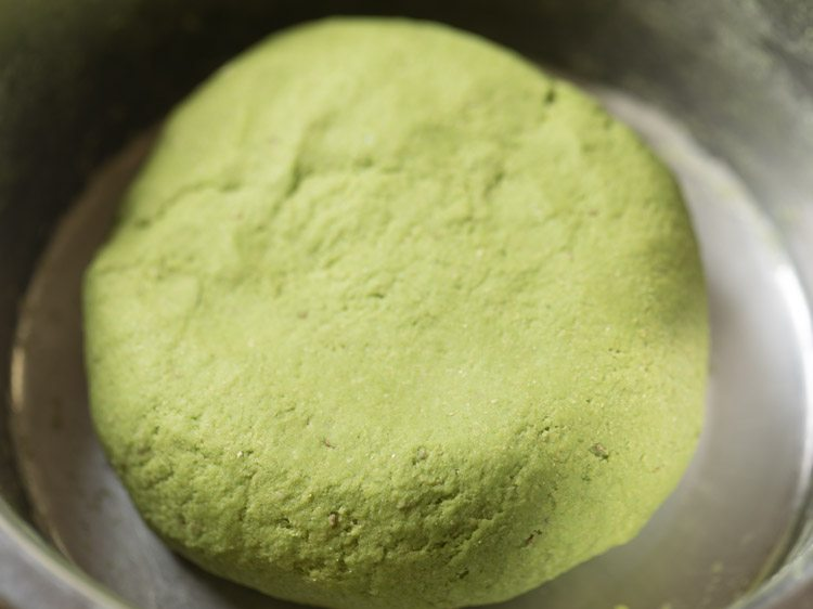 making palak poori recipe