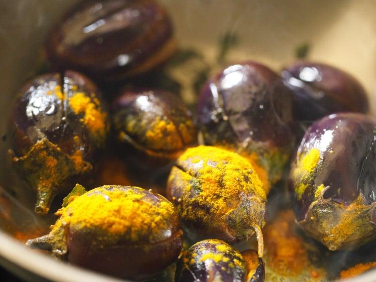 making brinjal kulambu recipe