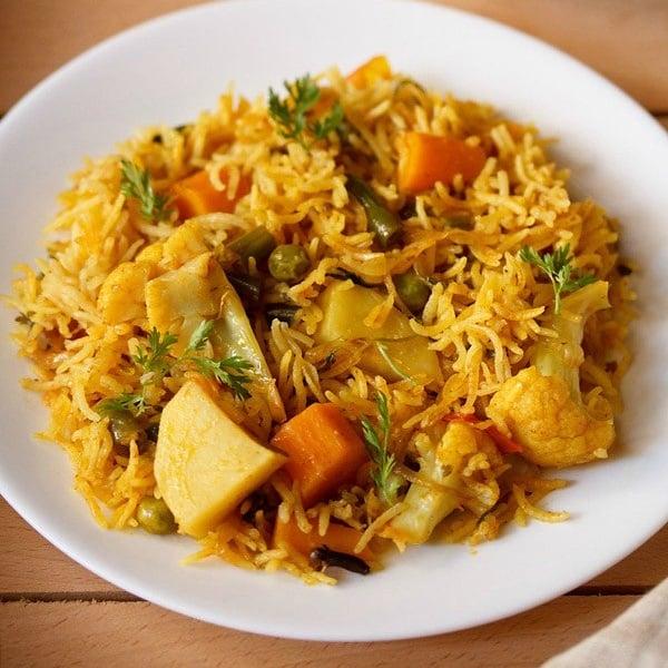 vegetable tahiri recipe, veg tehri recipe, vegetable rice recipe