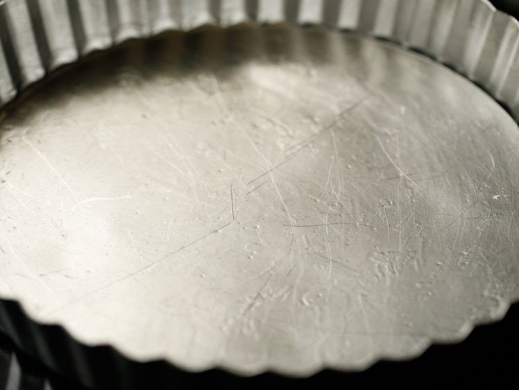 fluted pie tin that has been lightly greased