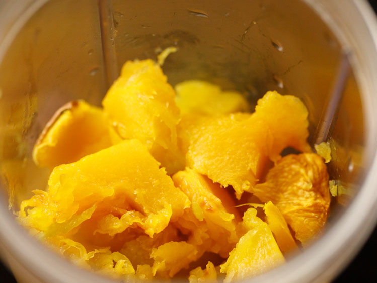 cooled and cooked pumpkin cubes in a blender