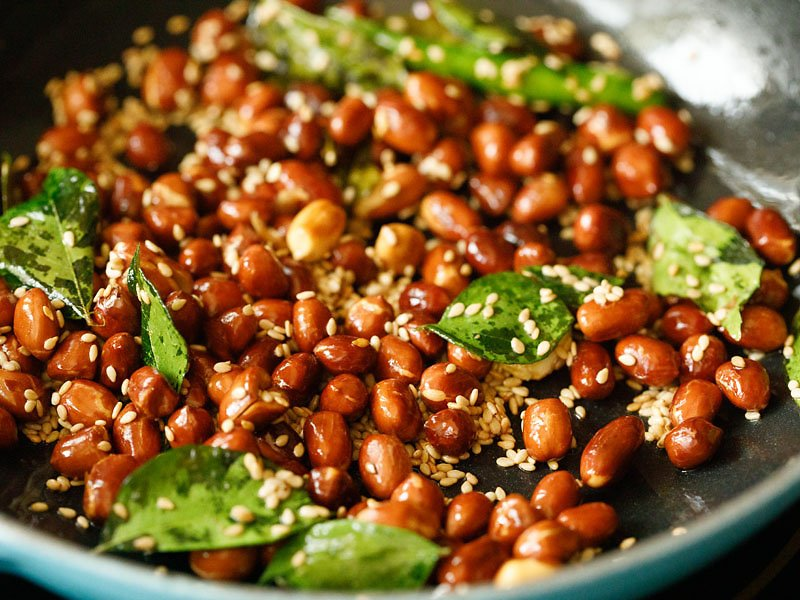 sesame seeds mixed with peanut chutney