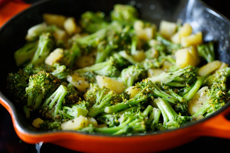 sautéed broccoli done and ready to be served