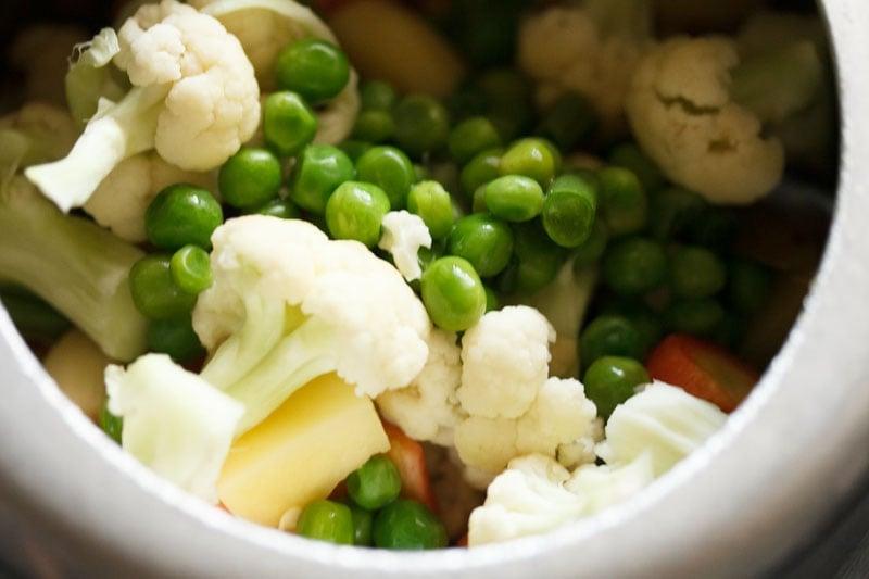 Top shot of mixed veggies in cooker