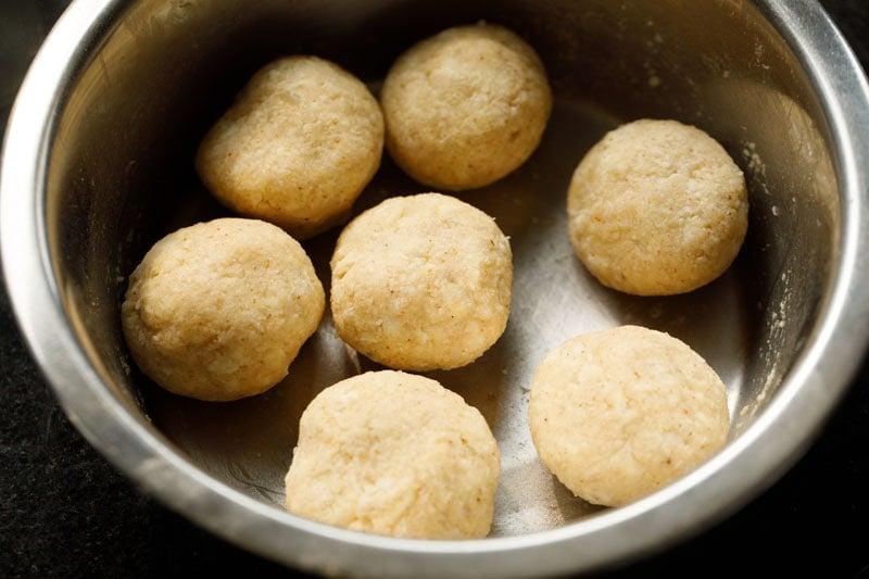 balls made from paneer kofta mixture